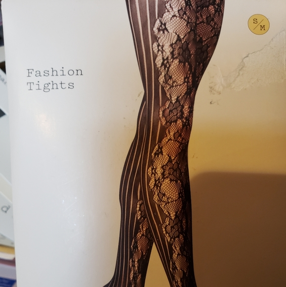 a new day Accessories - NWT Black Net Floral Tights